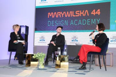 Ewa Mierzejewska, Tomasz Pągowski i Dorota Gardias podczas dyskusji MARYWILSKA 44 DESIGN ACADEMY
